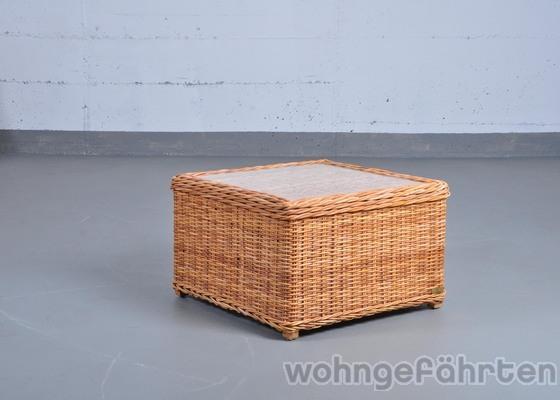 hier wird nur der hocker angeboten das sofa finden sie in einer. Black Bedroom Furniture Sets. Home Design Ideas