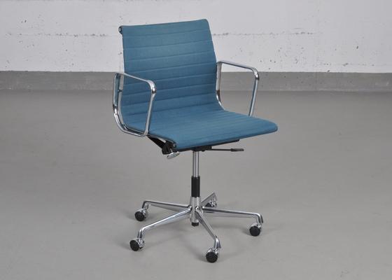 vitra charles eames alu chair ea 117 hopsak petrol neue. Black Bedroom Furniture Sets. Home Design Ideas